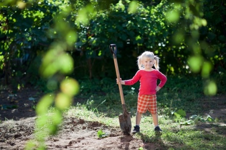 girl with shovel