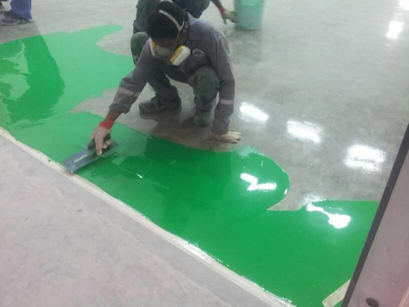 Thi công sơn epoxy phủ hoàn thiện