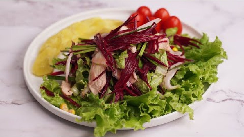 hướng dẫn luộc khoai lang - Thực đơn EAT CLEAN: KHOAI LANG LUỘC - SALAD ỨC GÀ CỦ DỀN cho người giảm cân.