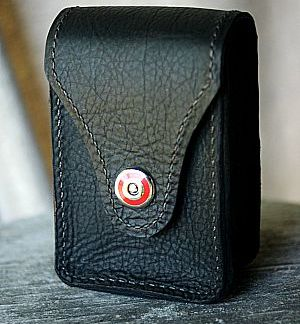 black bison leather ammo case with red clip -- vvego.com