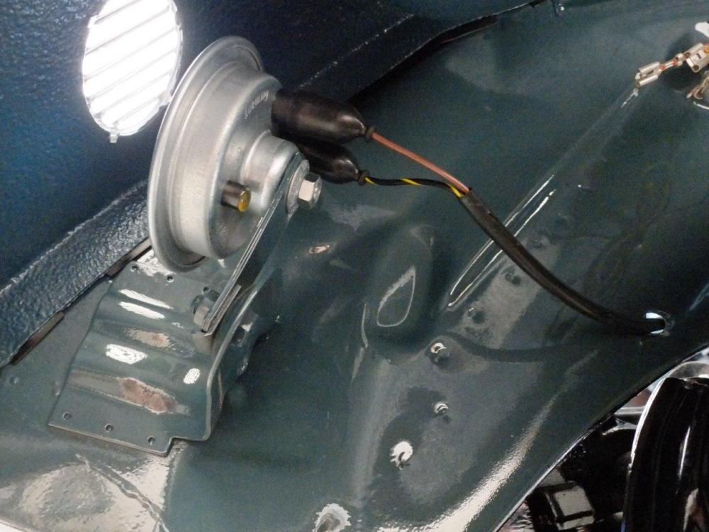 medium resolution of starter motor mounted to transaxle wiring harness