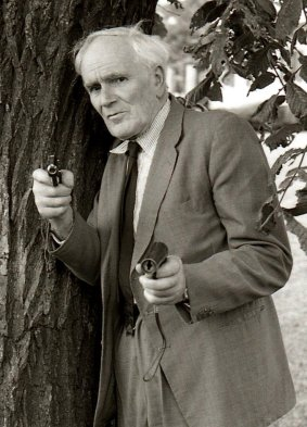 Desmond Llewelyn, Q, James Bond, Spycraft