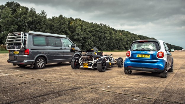 smart-fortwo-humiliated-by-vw-california-camper-van-and-atom-35r-in-drag-race-107153_1