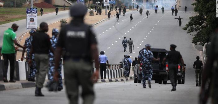 Nigeria: Après le massacre orchestré par les forces de l'ordre, les tensions restent vives sur l'ensemble du territoire