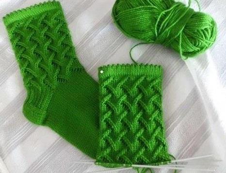 Sokker strikker vakkert mønster
