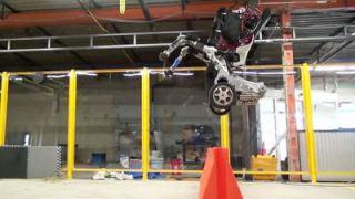 【ヤバイ】でたぁ!ボストンダイナミクスの新型ロボット「handle」