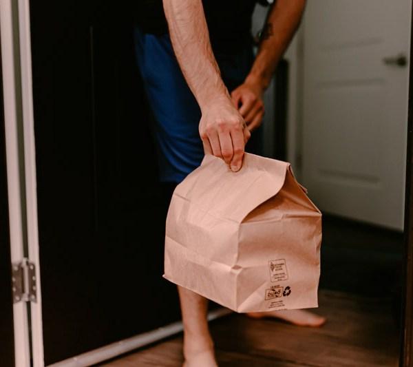 Conoce estas medidas para recibir delivery en tu departamento