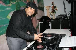 """""""DJ Reggnice"""""""