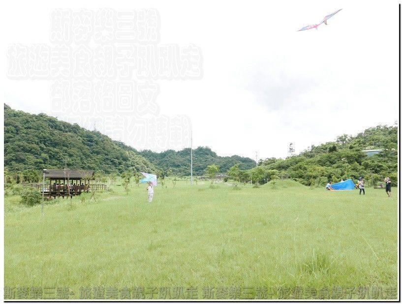 [臺北南港] 南港山水綠生態公園 沙坑溜滑梯野餐 免費景點 20170529 – 斯麥樂三號旅遊趴趴走