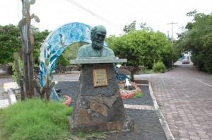 Charles-Robert-Darwin-Denkmal