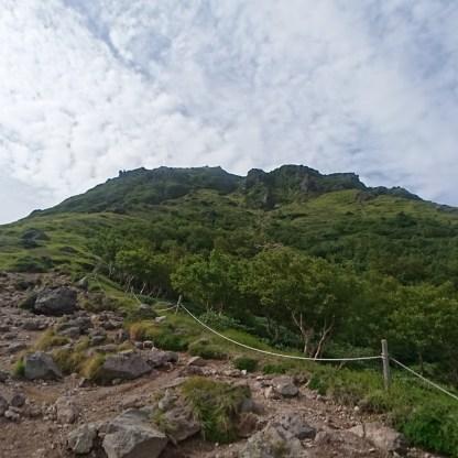 山頂に向けてあとひと踏ん張り!