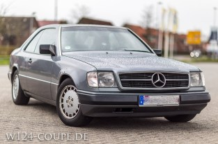 Mercedes-Benz W124 C124 Coupe 300 CE 010