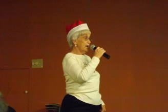 JAN MONG RECITING A CUTE CHRISTMAS POEM