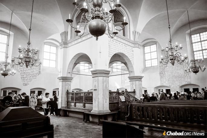 La bar-mitsva s'est déroulée dans la synagogue de Tykocin, dont les 4 000 membres ont été assassinés par les nazis. (Photo: Ryan Blau / Marche des vivants)