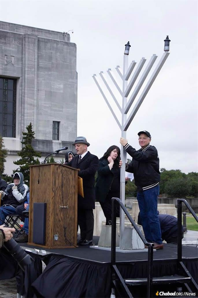Chara of Baton Rouge was presented in a huge menorah in front of Louisiana State Capitol. (Credit: Chabad of Baton Rouge)