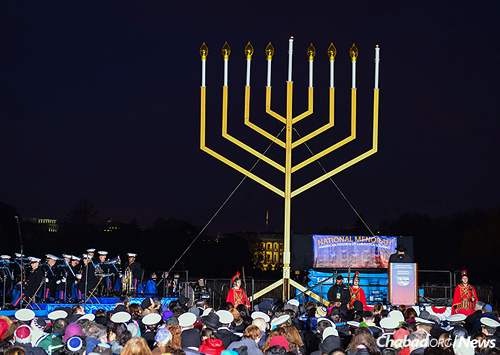The ceremony, free of charge and open to all, draws thousands of attendees each year to the Ellipse in front of the White House lawn. (Photo: Baruch Ezagui)