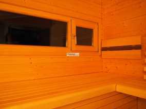 Außenwand mit integriertem Fensterelement.
