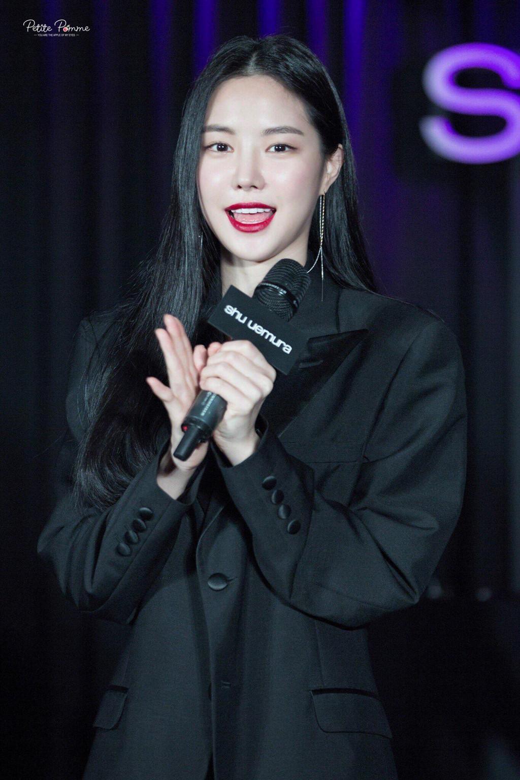 naeun-xinh-dep-nhu-nu-than-don-tim-fan (1)