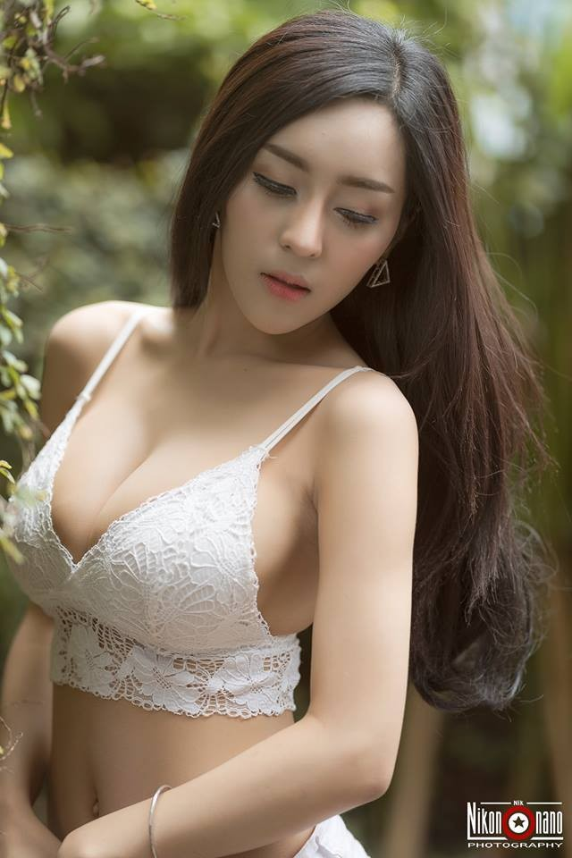 nong-hung-huc-ngam-nang-Laddamas-Singprokhoe-hang-khung (8)