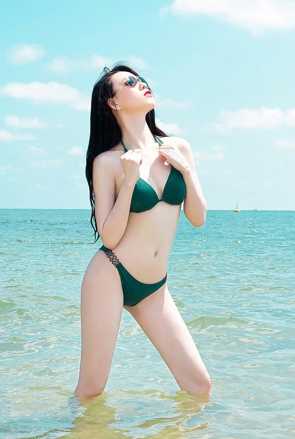vu-hoang-diep-gay-sot-voi-bo-anh-bikini (1)