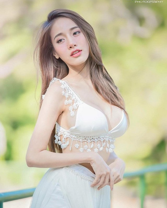 Pichana-Yoosuk-xinh-dep-khien-nguoi-khac-nhin-la-me (3)