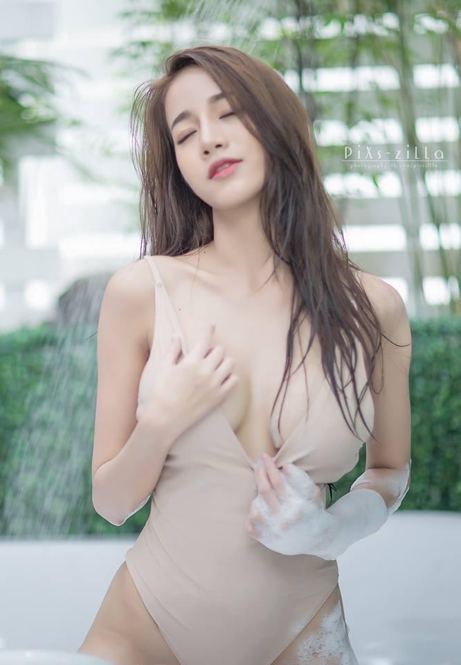 chet-lang-ngam-pichana-yoosuk-sexy-trong-bon-tam (7)