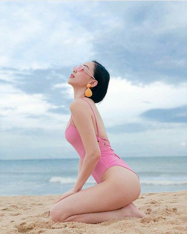 choang-vang-voi-loat-anh-bikini-sieu-nong-cua-toc-tien (2)