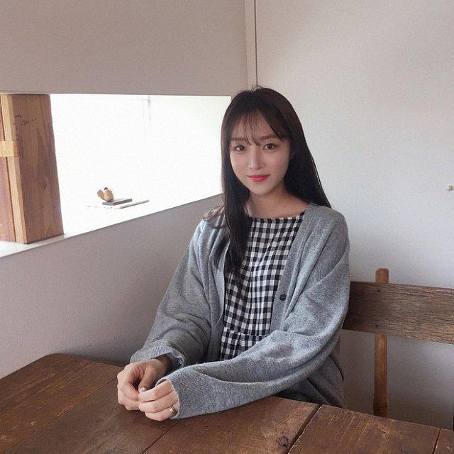 xieu-long-ve-dep-trong-veo-cua-hot-girl-Young-Yeon-xu-han (12)