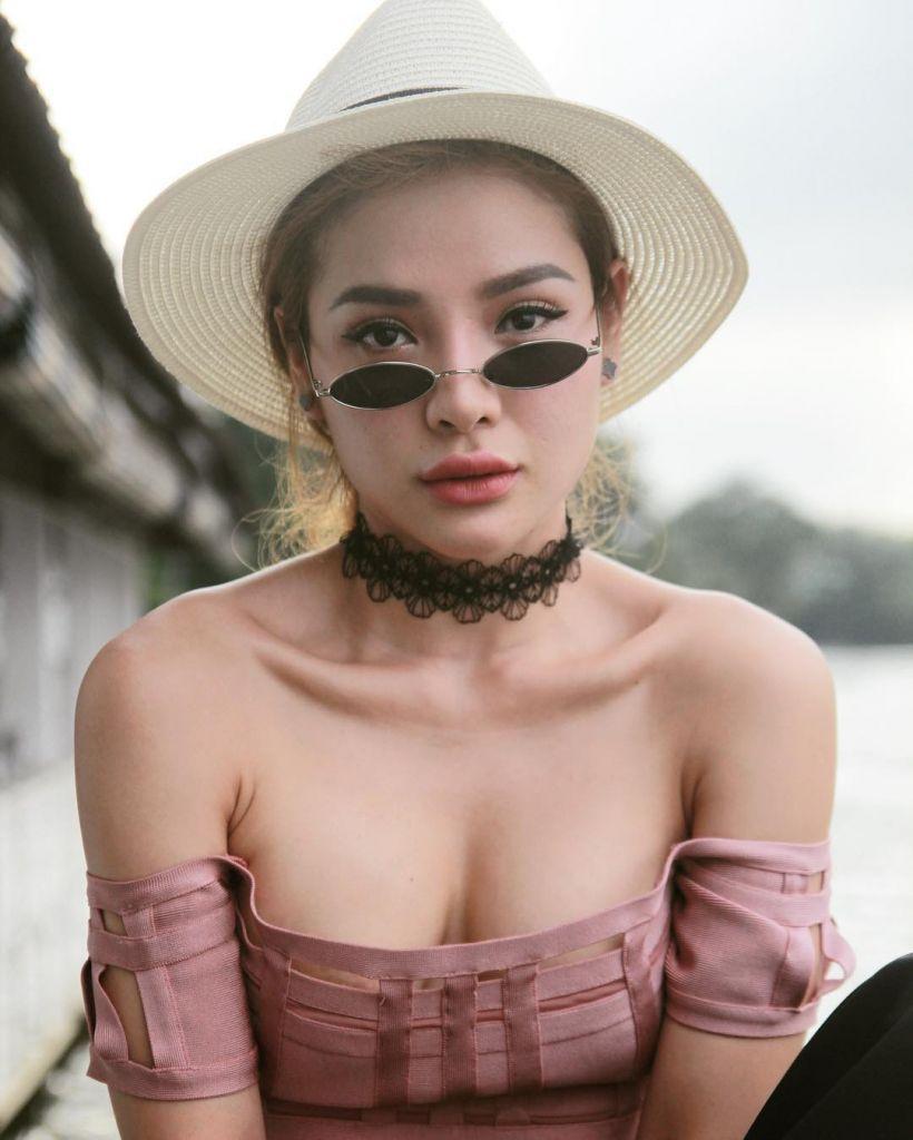 nghet-tho-vi-body-chuan-khong-can-chinh-cua-phuong-trinh-jolie-8