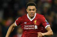 Hàng thủ Liverpool chao đảo vì trụ cột liên tục gặp chấn thương