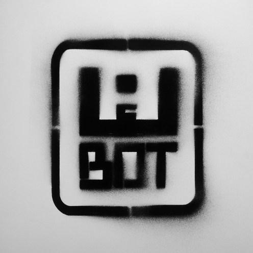 Essa é a logo W-BOT. Ela foi projetada para ser facilmente replicada com stencil.