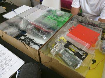 Esse é o Kit: todas as peças necessárias à construção de uma impressora, dentro de uma caixa.