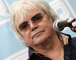 Air Supply Frontman Russell Hitchcock Records Solo Country Album