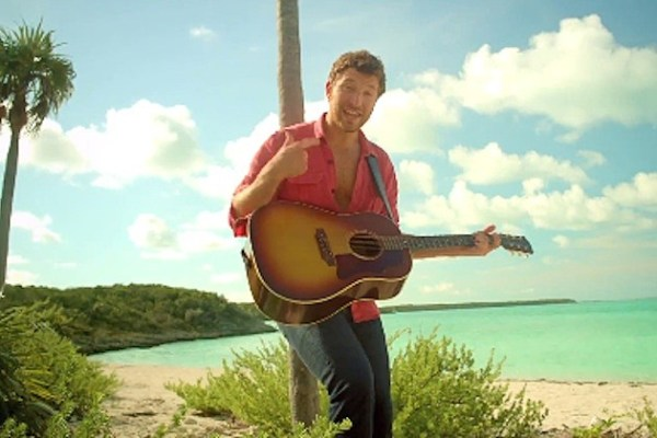 Brett Eldredge Hits the Beach in 'Beat of the Music' Video