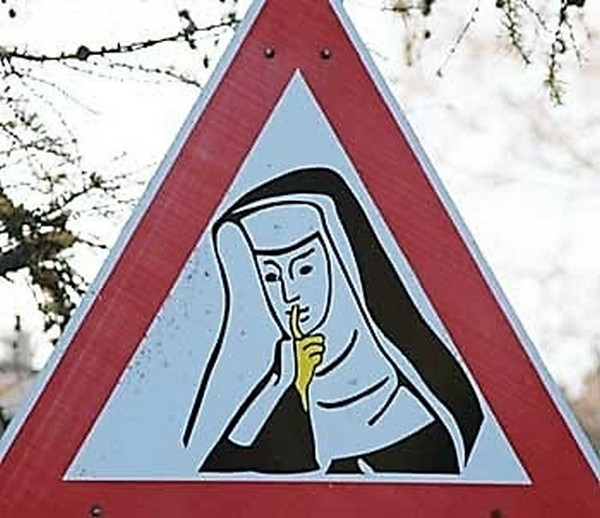 17 funniest road signs ever 11 17 Funniest Warning Giving Signs Ever Found