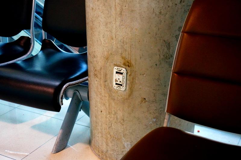 スワンナプーム 国際空港 コンセント情報