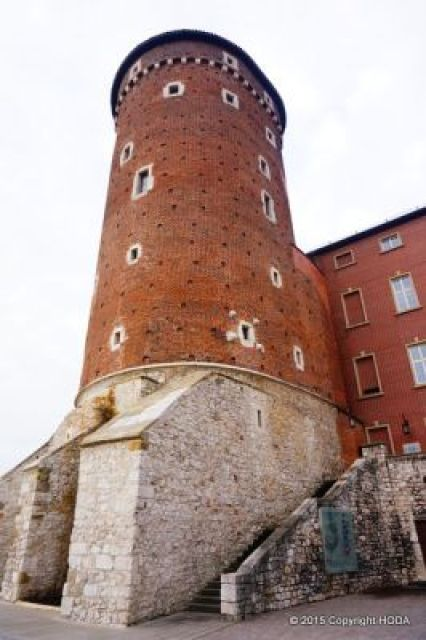 ヴァヴェル城 門