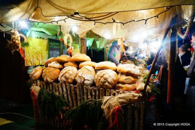 クリスマスマーケット 大きいパン