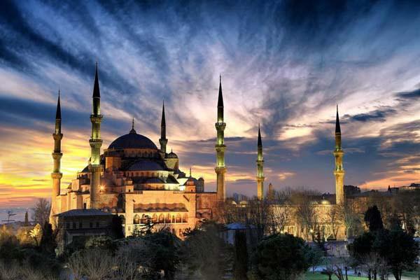 イスタンブールのブルーモスク観光での注意点!ぼったくり?