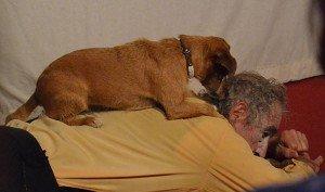 Als Zugabe der ersten Hälfte des Abends gab es die Dressur seines Hundes.