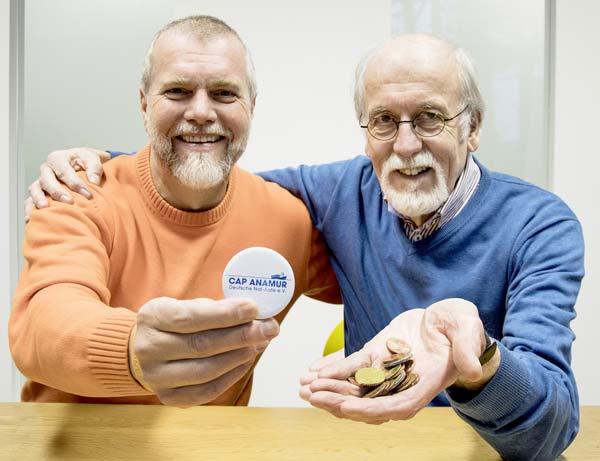 Klaus Peter und Werner Strahl sammeln Spenden für Cap Anamur