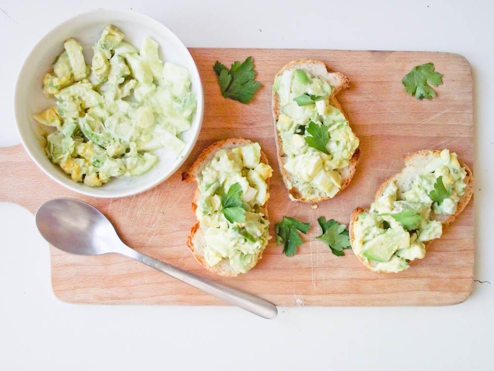Tartines avocats, oeufs et mayonnaise maison au citron vert & le problème de la motivation