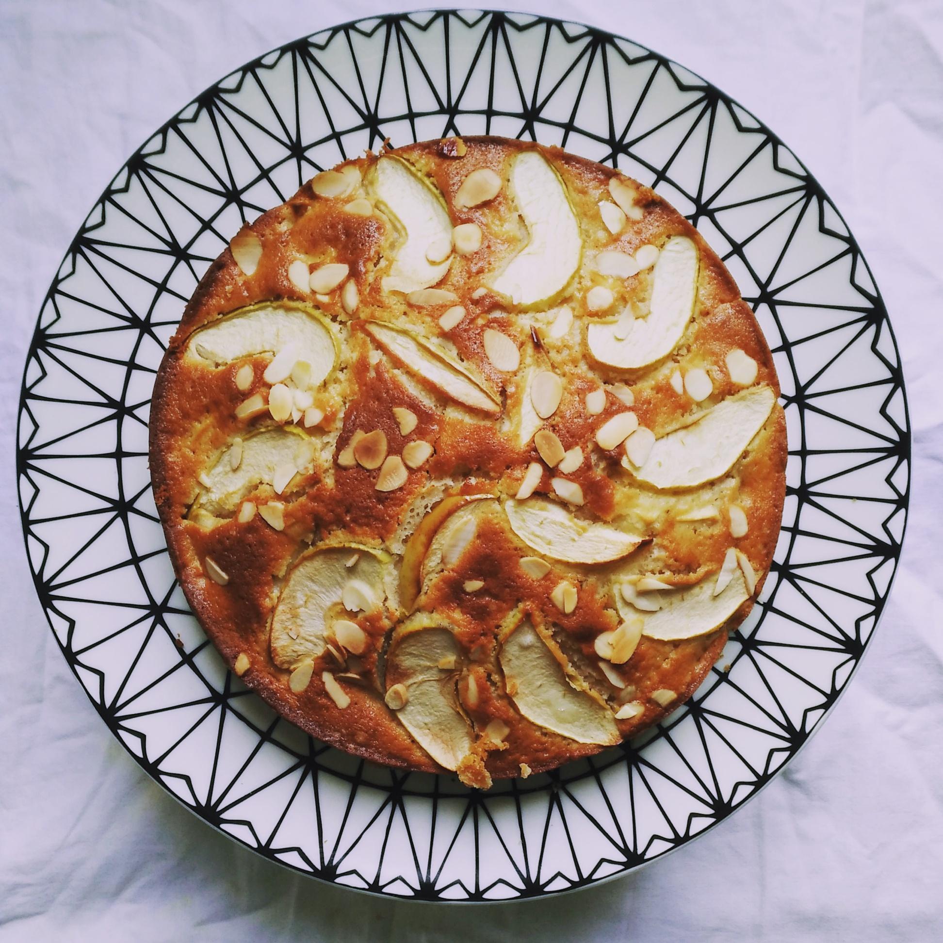 Gâteau aux pommes et à la cannelle si facile