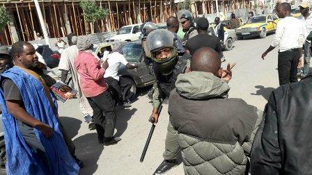 """اعتقال نشطاء من حركة """"إيرا""""على خلفية المطالبة بإطلاق سراح ولد غده و ولد بونا(صور+أسماء)"""