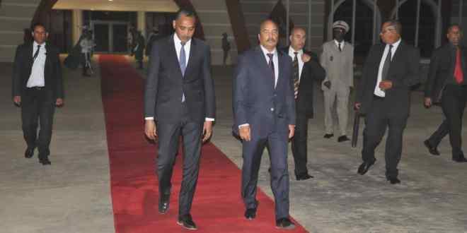 عزيز في الإمارات للمشاركة في مؤتمر الحكومات العالمي
