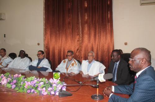 رئيس المجلس الجهوي لاترارزة يشارك في اجتماع بالوزير