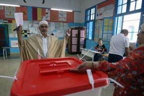 تونس تختار من بين 26 مترشحا رئيسَها الجديد