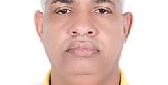 عند ما توشح فرنسا وزيرا موريتانيا متهما بالفساد من طرف محكمة حسابات بلده