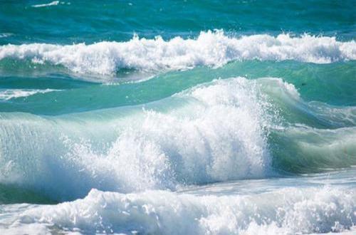 تحذيرات لصيادي اترارزة من ارتفاع أمواج البحر