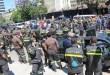 غضب واستياء… عناصر الدفاع المدني مستمرون في اعتصامهم